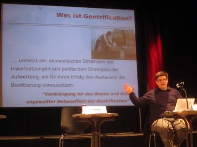 Andrej Holm spricht über Gentrification im ZAKKin Düsseldorf am 19.3.2011